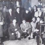 1954 - gruppo Alpini di Mozzo posano accanto alle due nuove campane